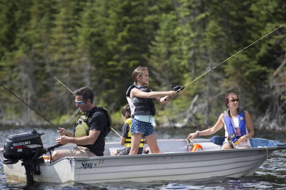 Exclusivité: la Sépaq lancera des cartes de 500 de ses lacs les plus populaires