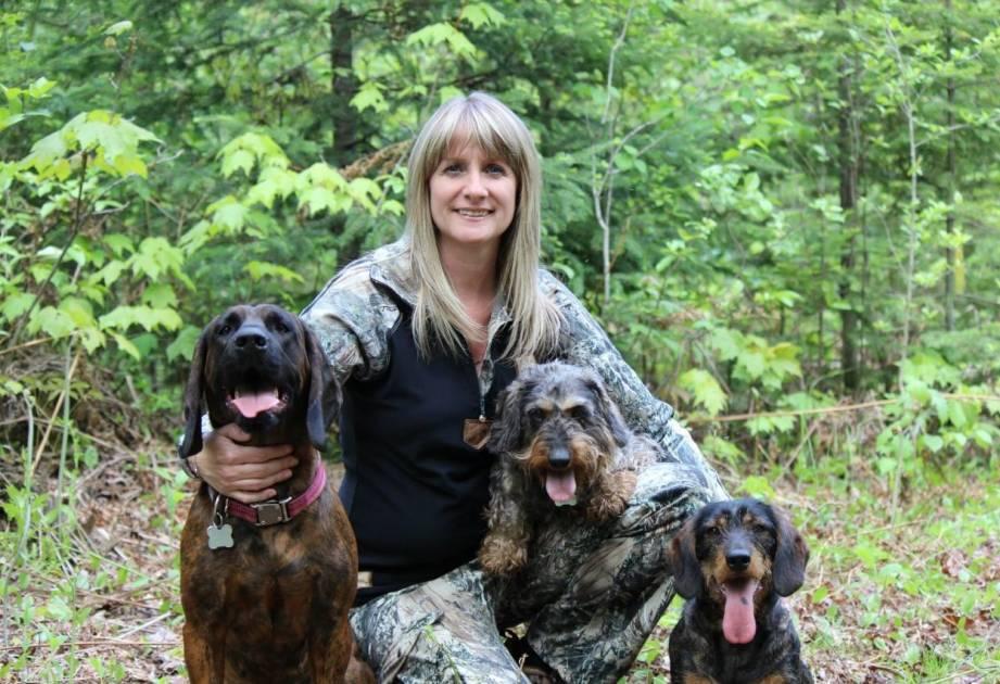 Les chiens de sang à la chasse et les sauvaginiers sont aux oiseaux!