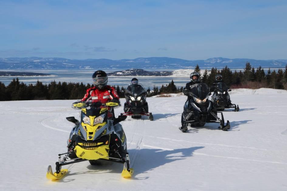 Encore plus de motoneigistes américains visitent le Bas-Saint-Laurent