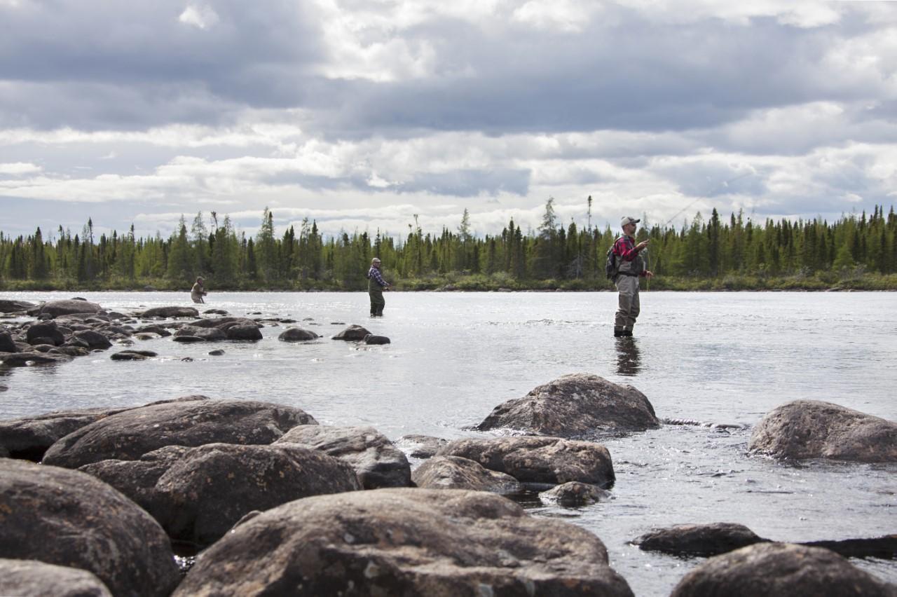 Les amateurs ne partiront pas sans leur Guide du pêcheur