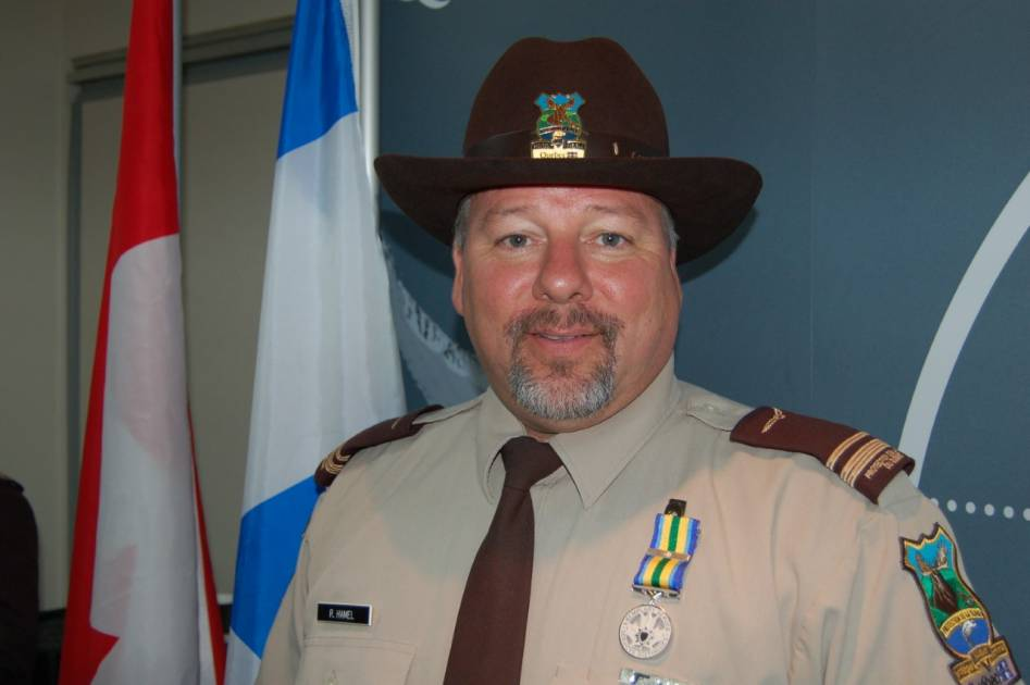 Le Sgt. Richard Hamel se retire après 40 années à protéger la faune !