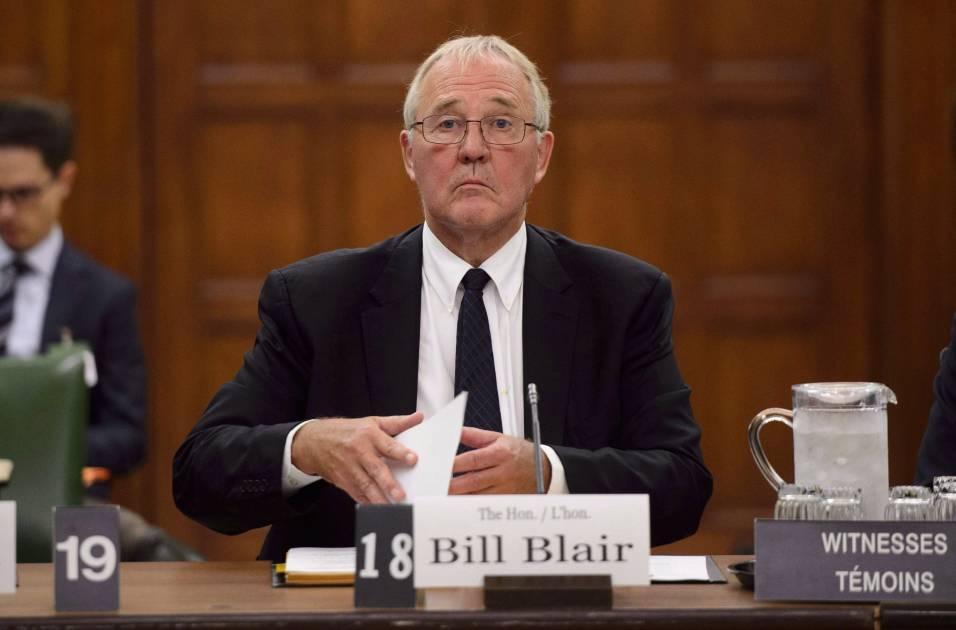 Bill Blair lance une consultation publique sur les armes de poing et d'assaut