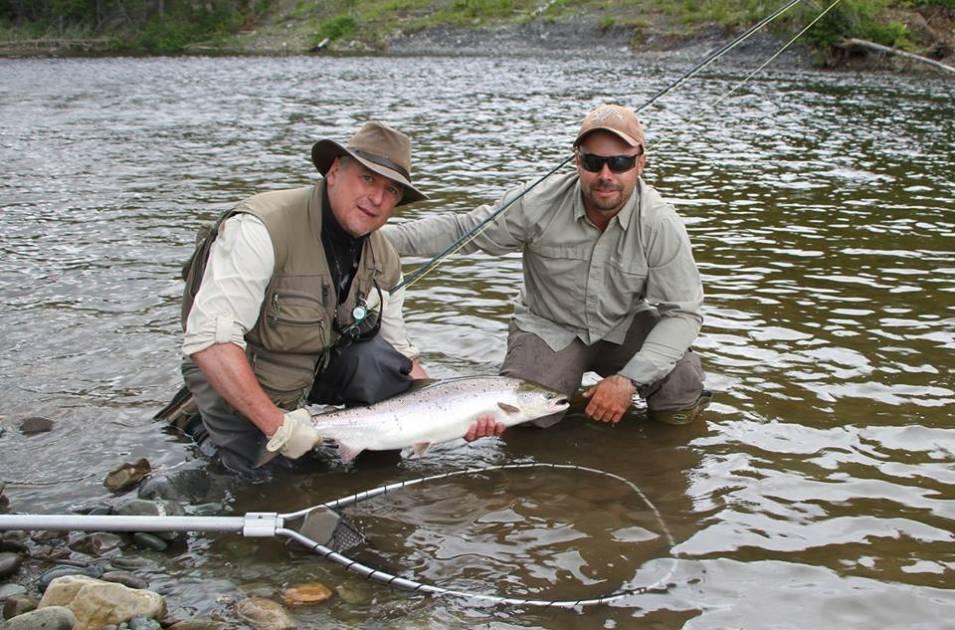 Vivez une pêche du saumon sur la rivière Matane avec le guide Maxime Fournier
