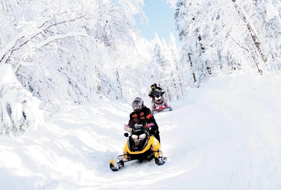 Les Laurentides: une des belles destinations motoneige du Québec