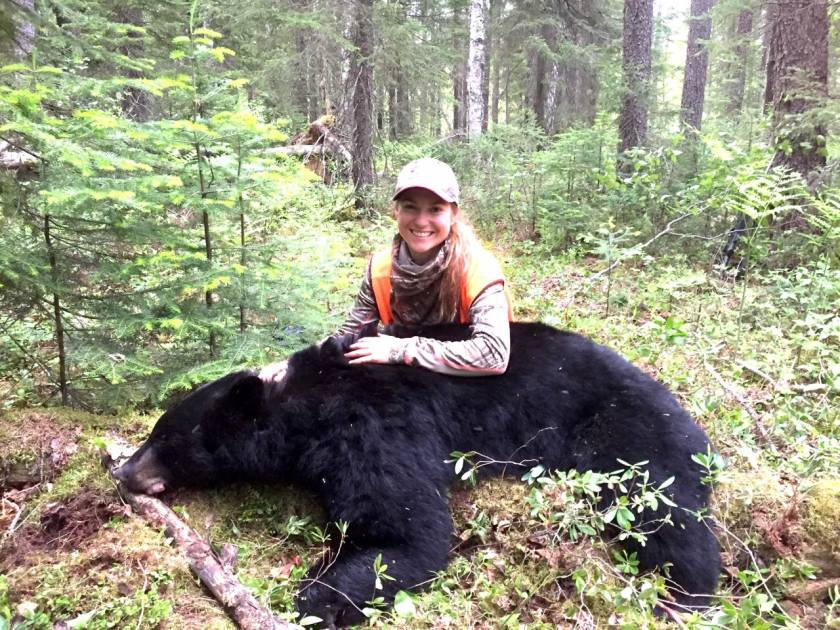 Stéphanie Vadnais raconte sa chasse à succès de l'ours noir