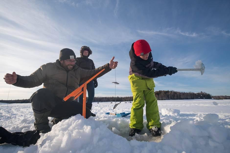 Ouverture de la pêche d'hiver au lac de la Mine en Mauricie
