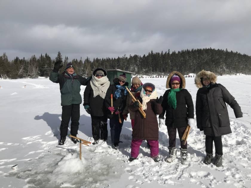 Succès pour l'initiation à la pêche sur glace pour nouveaux arrivants !
