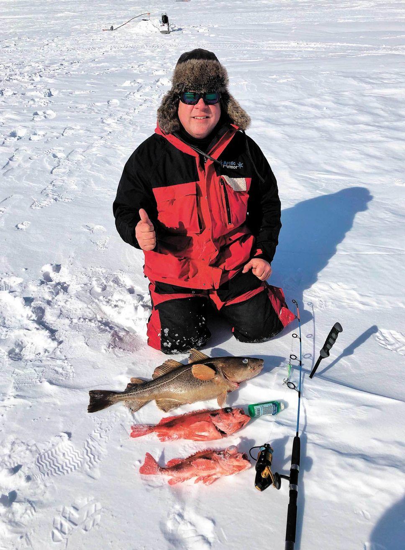 Toute une saison de pêche blanche dans le fjord