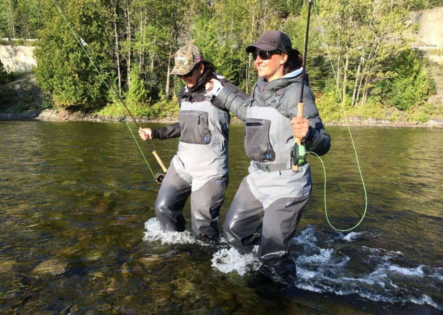 Initiez-vous à la pêche au saumon grâce au programme de Mentorat