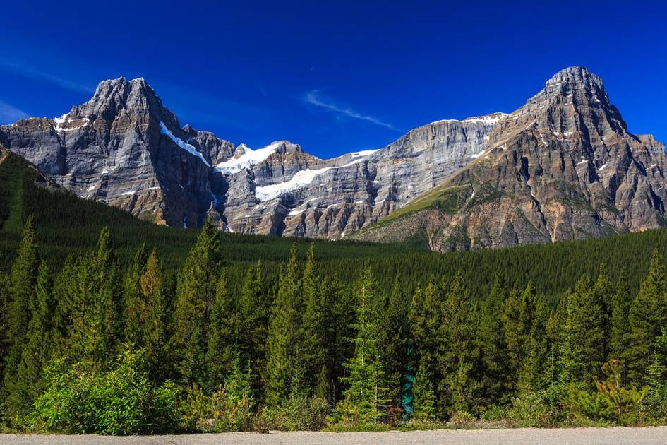 Trois alpinistes sont emportés par une avalanche dans le parc national Banff