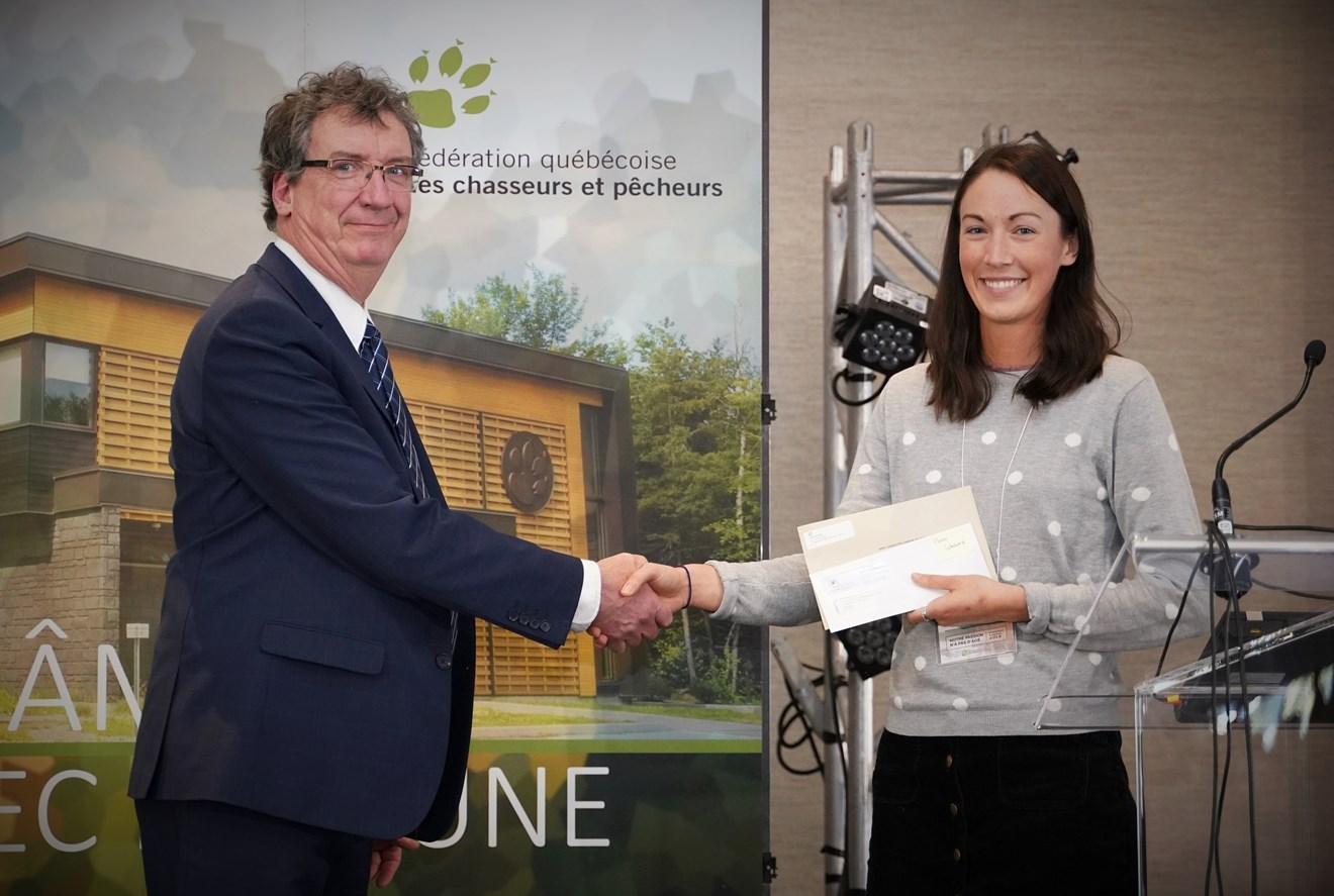 Des bourses d'Héritage Faune remises à des étudiants