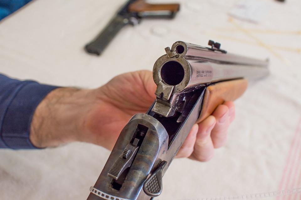 Le Sénat adopte le projet de loi du gouvernement Trudeau sur les armes à feu