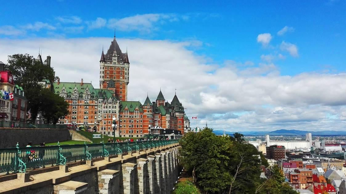 Sondage Léger pour le CAA Québec: plusieurs vacanciers du Québec y resteront