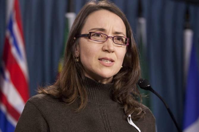 Nathalie Provost claque la porte du comité sur les armes à feu