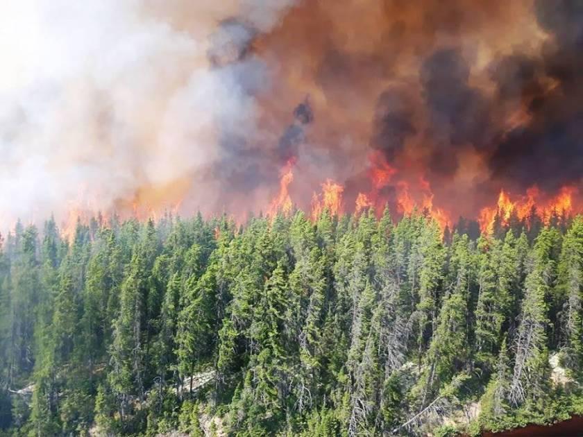 Feux de forêt: le Québec envoie 42 pompiers forestiers en Alberta