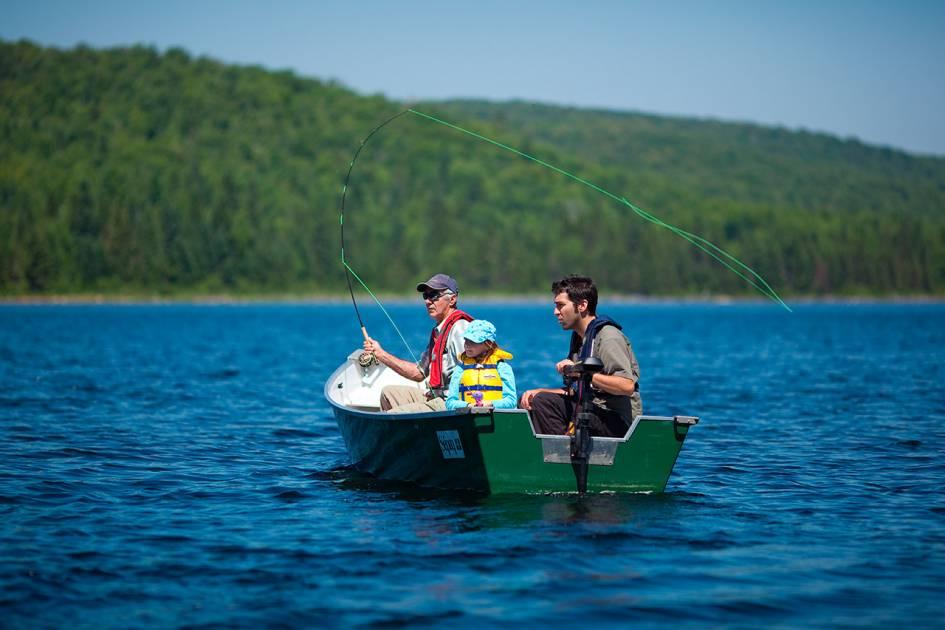 Le lac au Violon sans fausse note dans la réserve Mastigouche