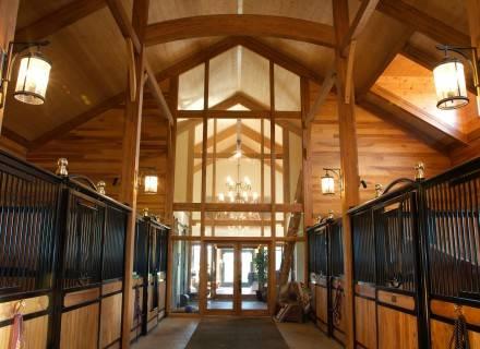Québec accorde près de 2 M$ à trois projets mettant en valeur le bois