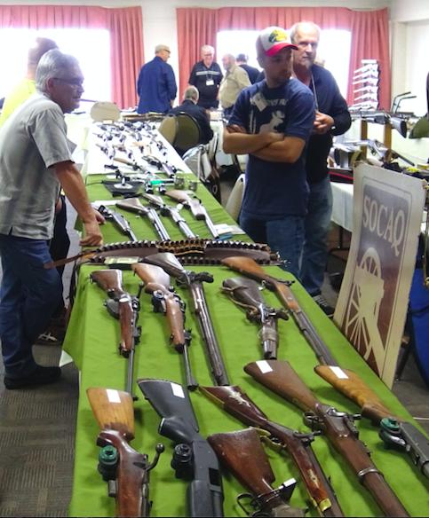 Le salon des armes pr sent ce dimanche qu bec rendez for Salon armes