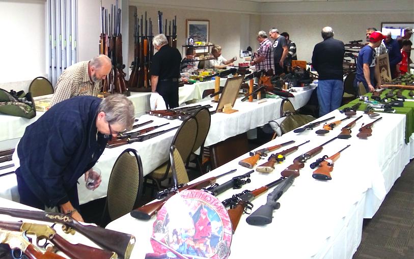Les Salons de l'Arme et du Militaria demeurent toujours populaires !