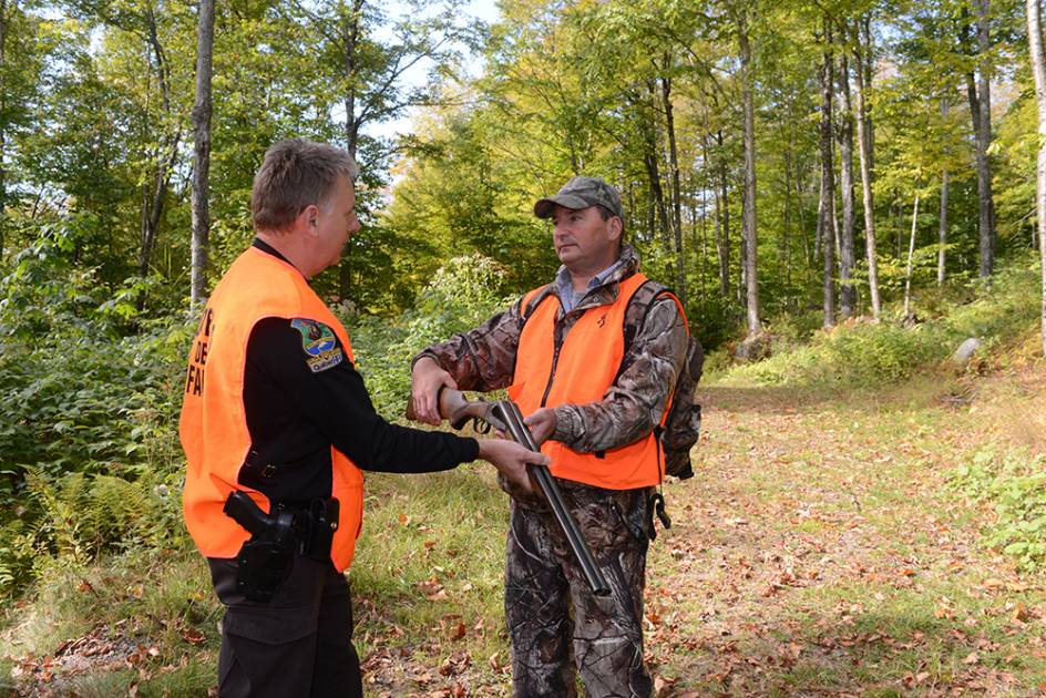 Assurer d'abord le respect des lois de la chasse et de la pêche