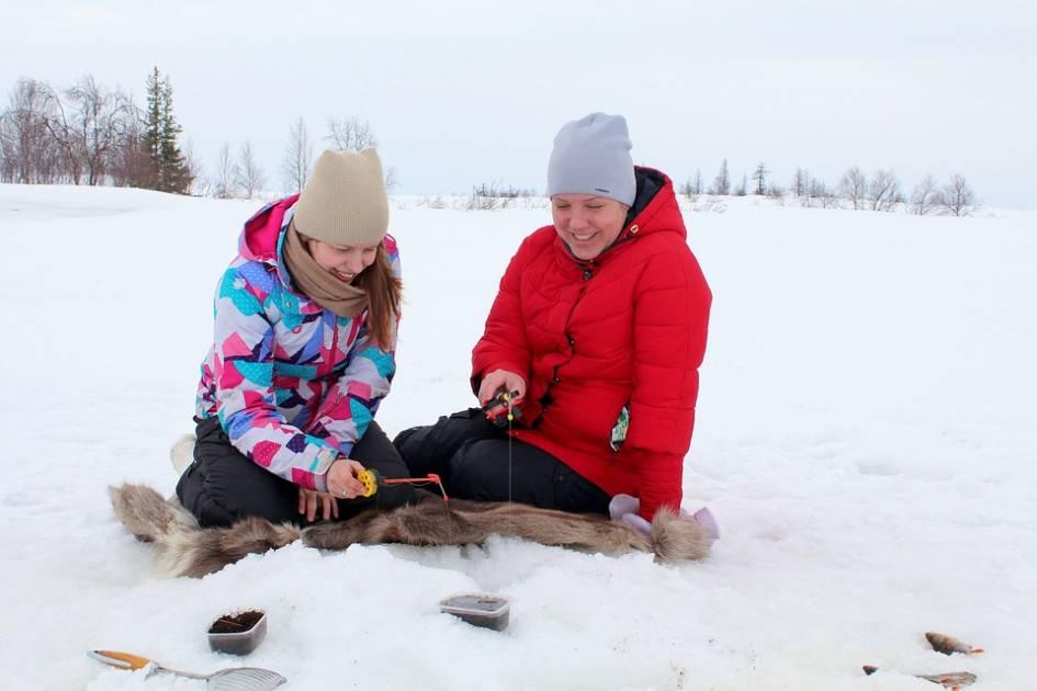 Ouverture à la pêche d'hiver dans une baie du réservoir Kipawa