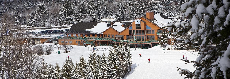 COVID-19: le Centre de ski Le Relais ferme ses installations