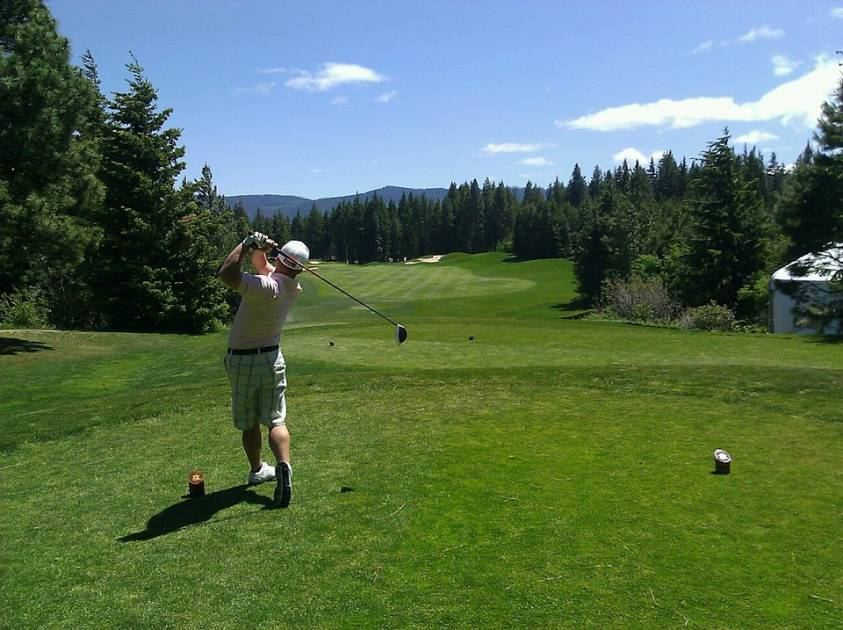 Les clubs de golf gardent bon espoir d'ouvrir rapidement après la crise