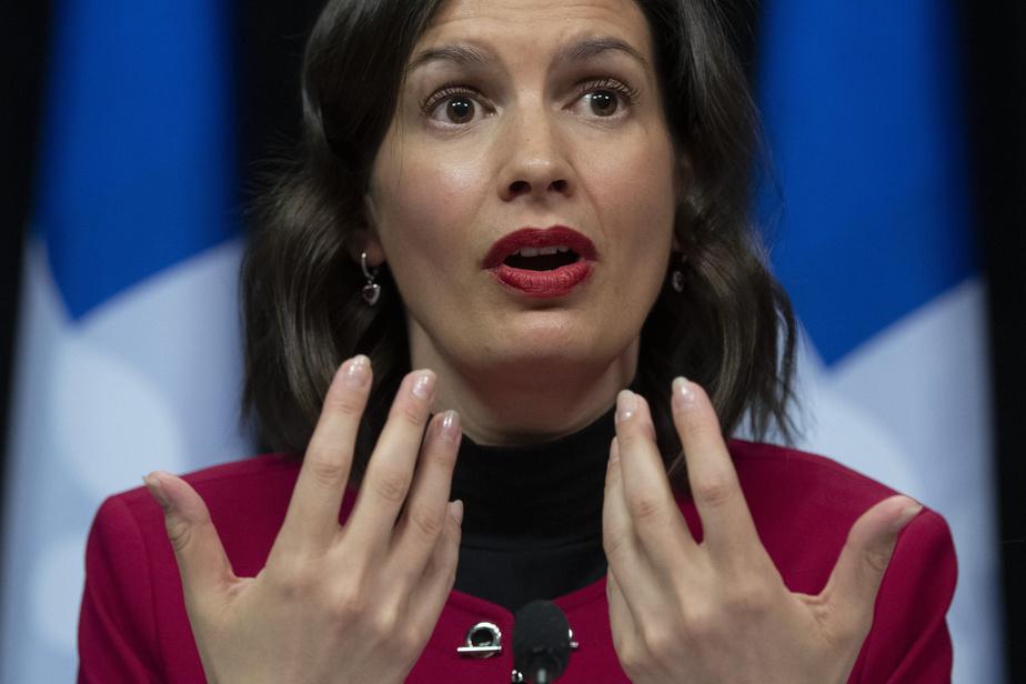 Les campeurs doivent faire preuve de patience selon Geneviève Guilbault