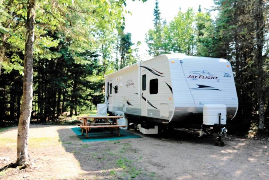 Départ timide de la saison du camping au Québec