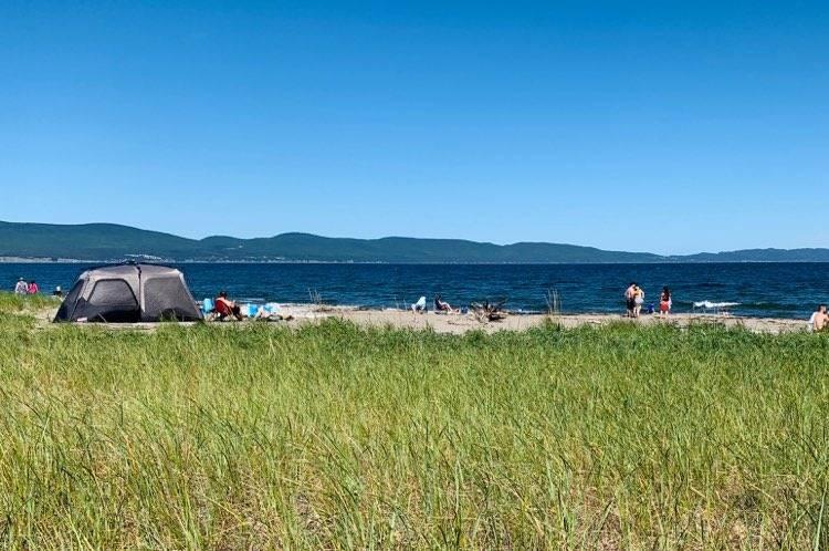 Gaspésie: le PQ veut voir la SQ rappeler à l'ordre les touristes délinquants