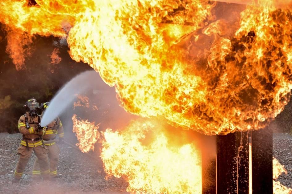 Pompiers québécois en Californie: une partie de la relève ira en Oregon