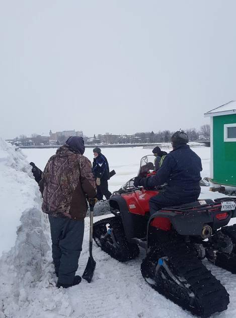 Prudence sur les cours d'eau glacés: des consignes de sécurité à suivre