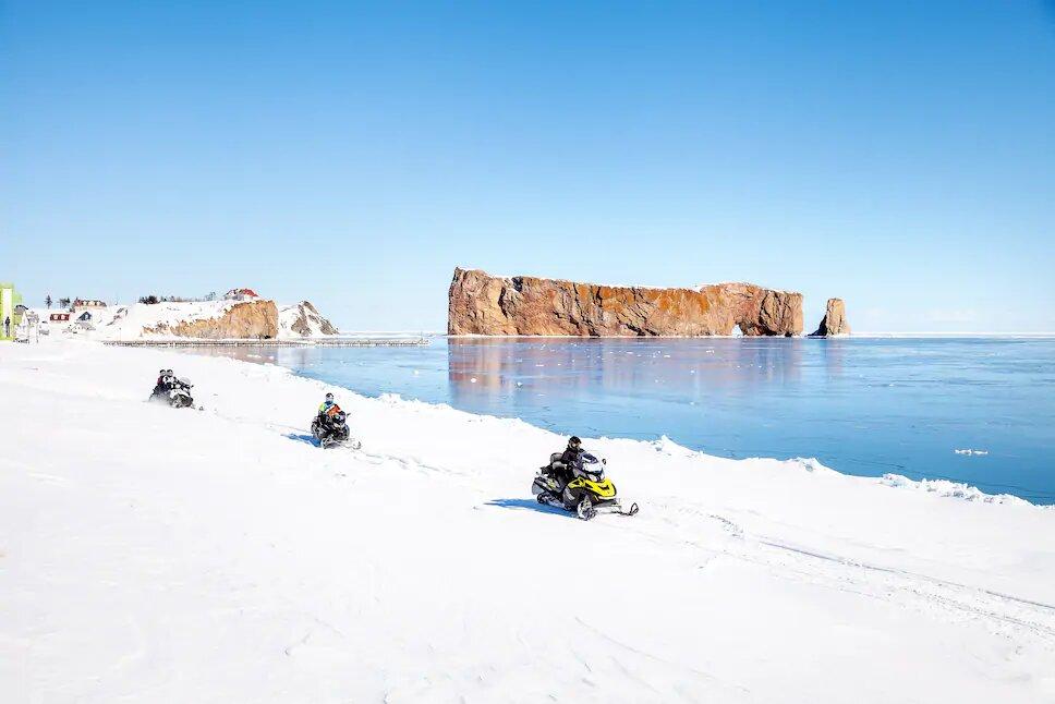 La Gaspésie, un paradis pour les motoneigistes