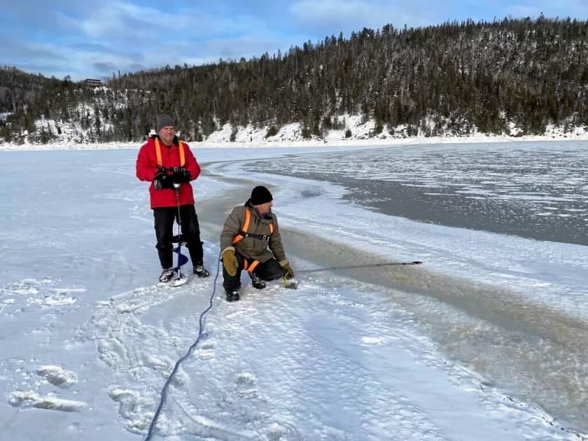 Les glaces du Saguenay encore trop minces à L'Anse Saint-Jean