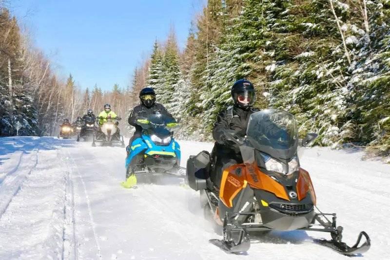 Des mesures sanitaires à respecter par les motoneigistes cet hiver