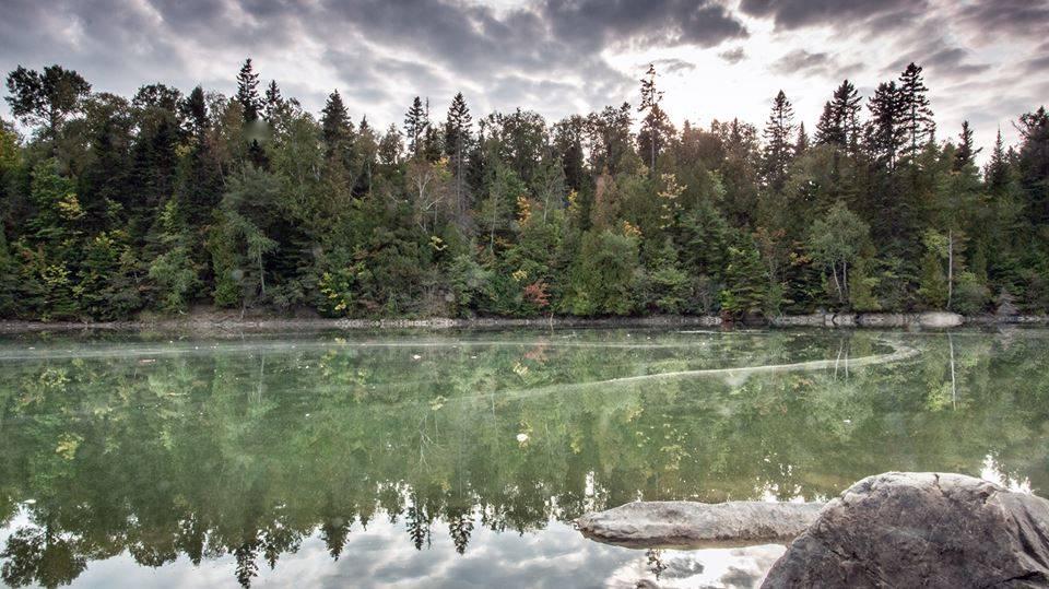 Un parc unique à proximité d'une rivière réputée