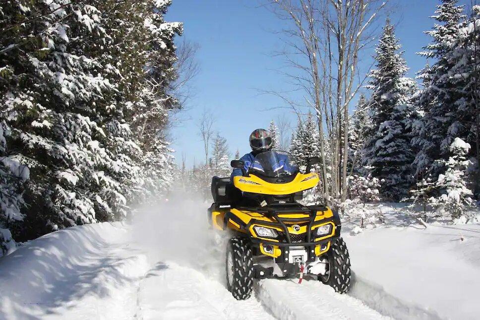 Profiter des sentiers de quad en toute sécurité au Québec