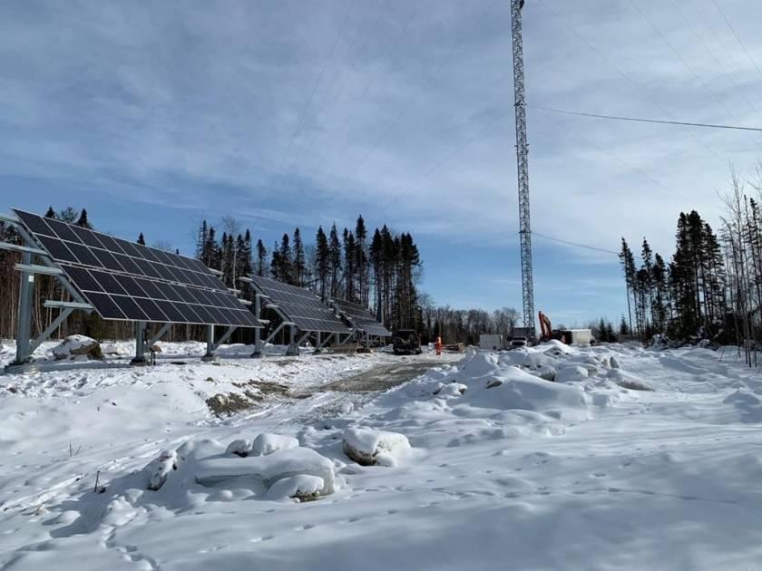 La couverture cellulaire dans la Réserve La Vérendrye grâce à l'énergie solaire