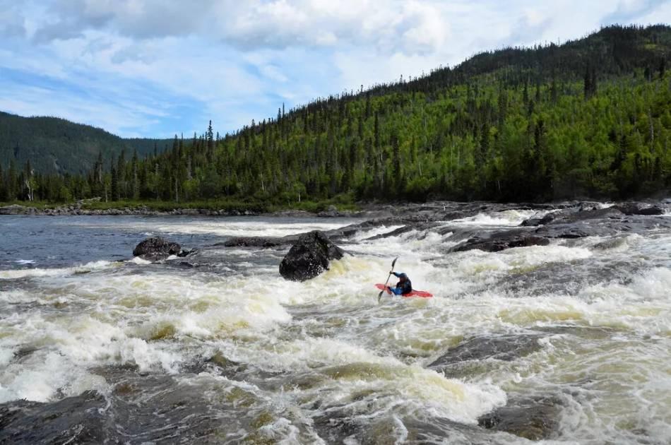 Pink Water: kayak entre femmes sur les rivières Moisie et Magpie