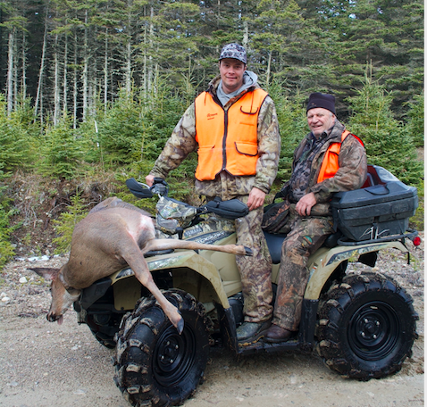 Est-ce que les VTT peuvent être interdis pendant la chasse au gros gibier ?
