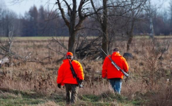 Les chasseurs évitent un processus d'immatriculation compliqué