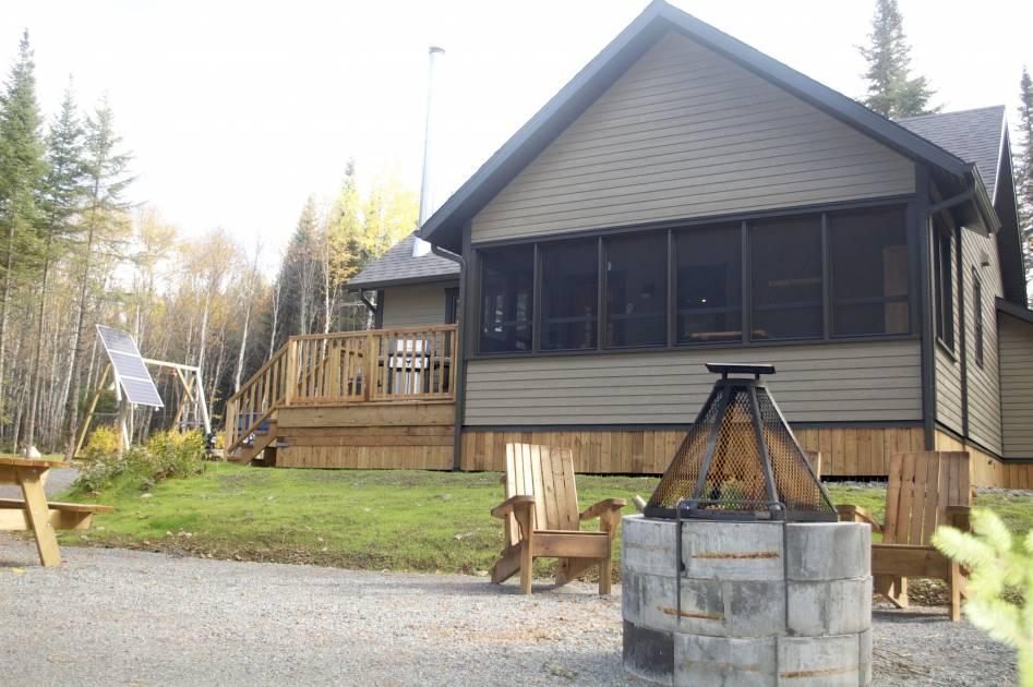 Un nouveau chalet construit dans la réserve faunique de Rimouski