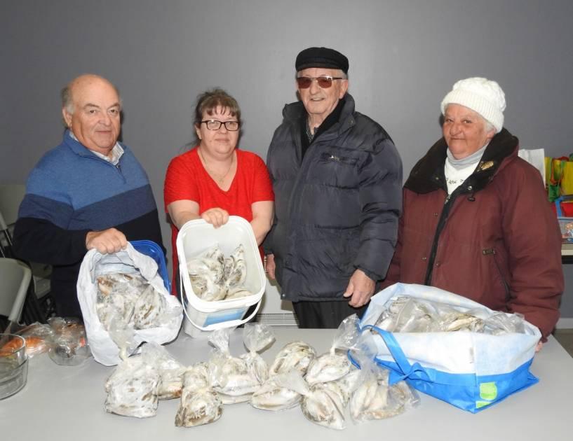 L'APERR remet 58 douzaines d'éperlans à Moisson Rimouski-Neigette