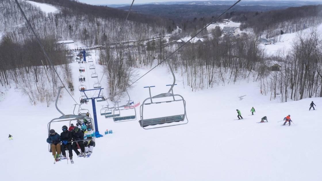 Québec accorde 1,3 M $ au Camp Fortune pour bonifier son offre touristique
