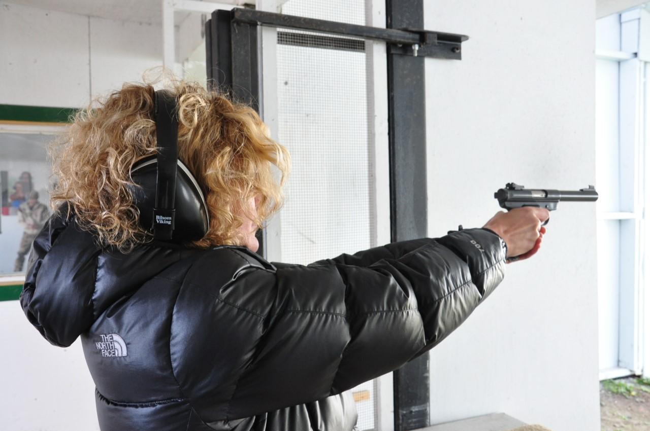 Le Canada veut resserrer l'accès aux armes à feu